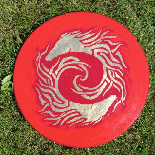 Spinning horses - red